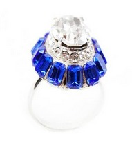 sv sapphire ring cropped
